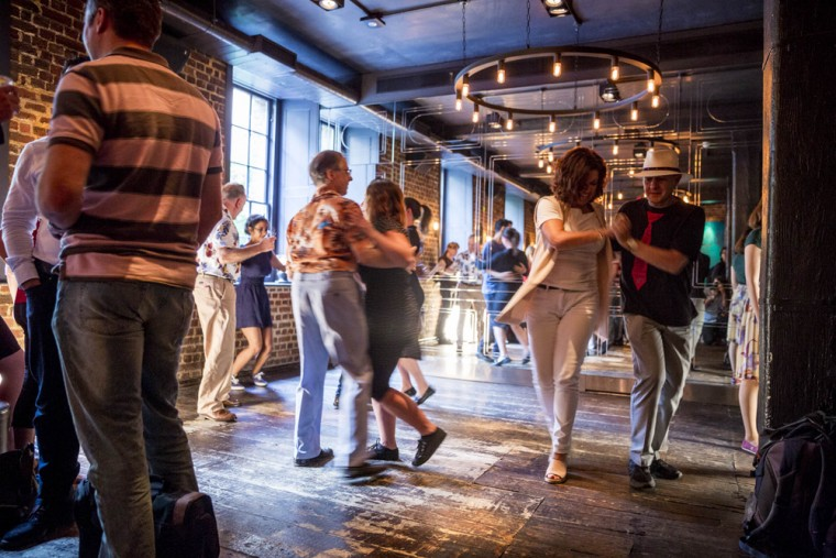 Old_Bengal_Bar_Swing Dancing