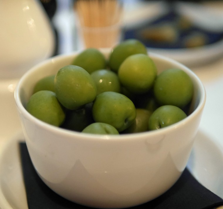 Gallery Mess Olives
