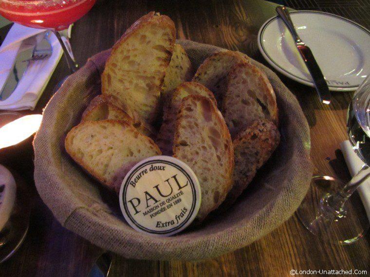 Restaurant Paul bread