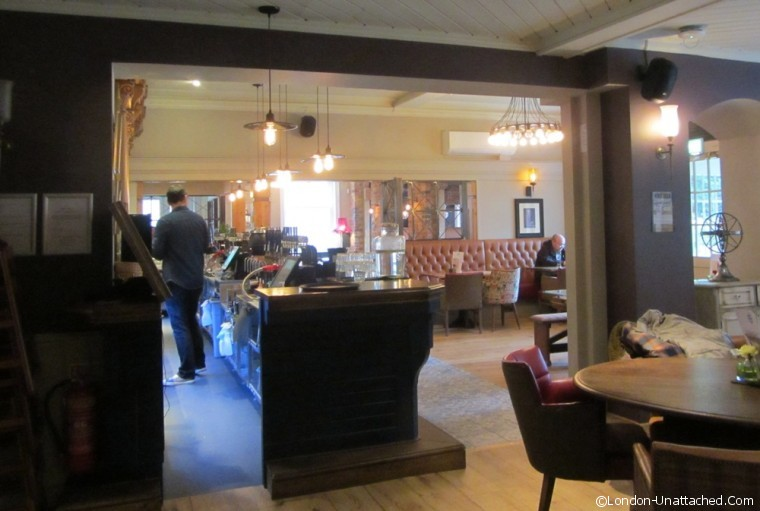 The Crown - interior