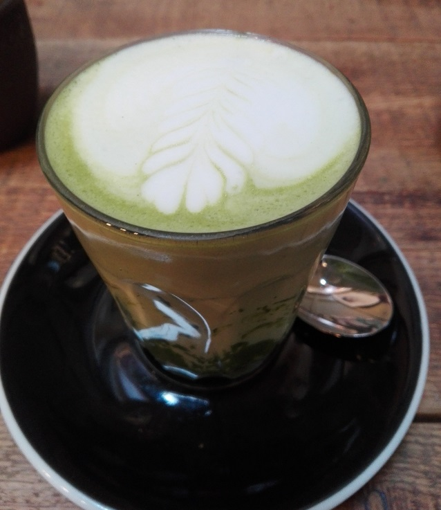 I love the deep green colour of the matcha latte