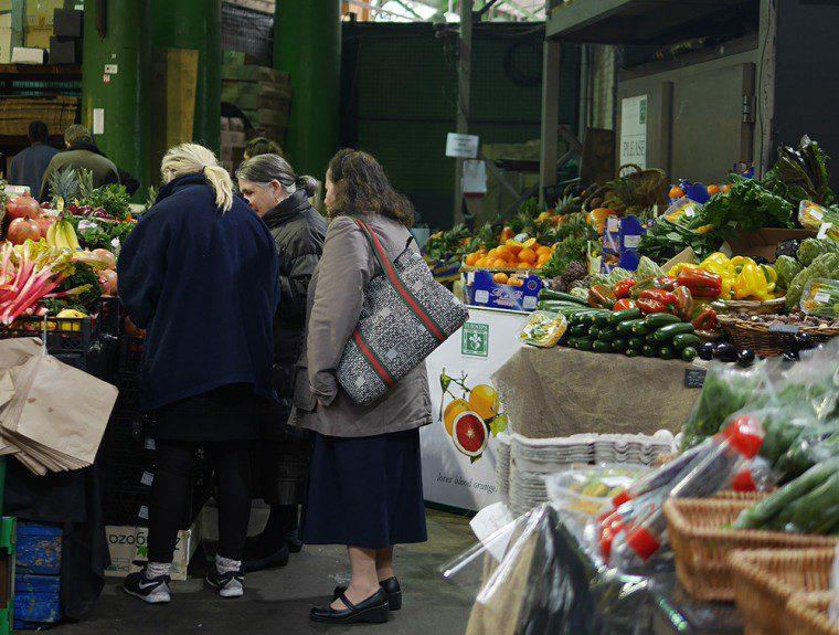 borough market shoppers - Copy