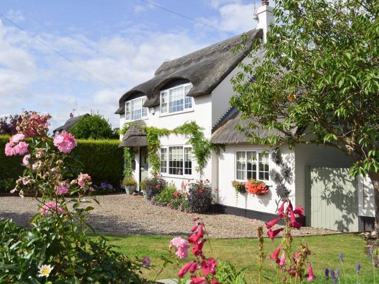 Captain's Cottage, Winterton-on-Sea, ref. 27888