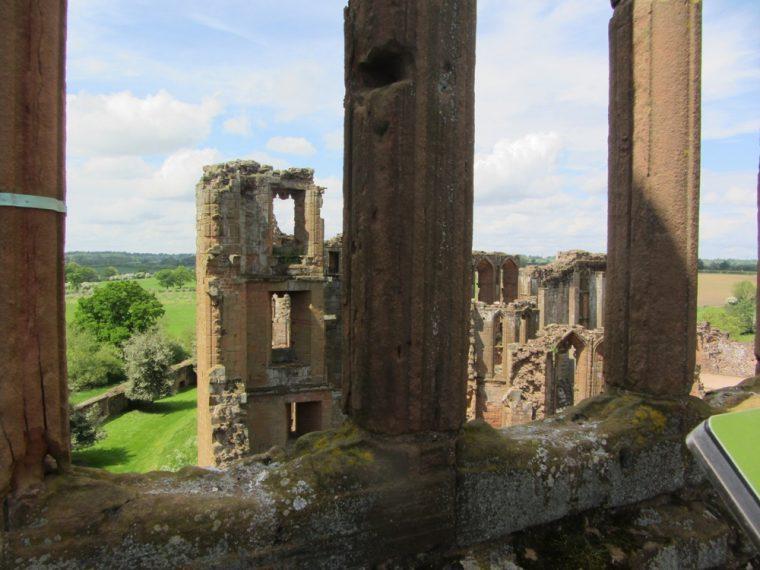 Dandelion Hideaway - view from Kenilworth Castle