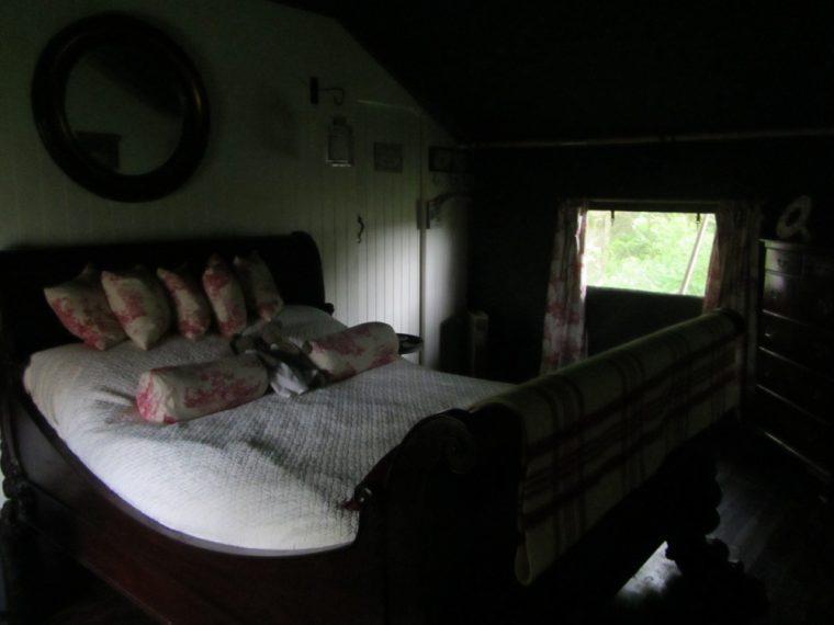 Dandelion hideaway - bedroom