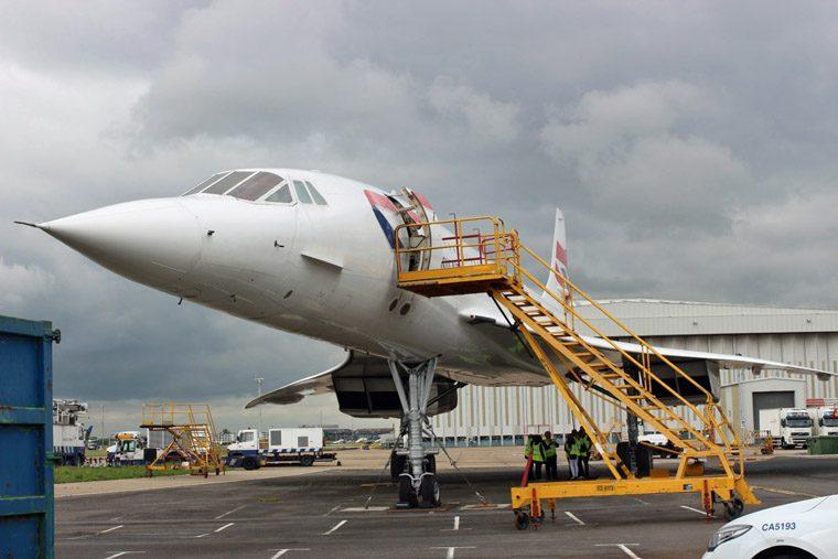 Heathrow - plane