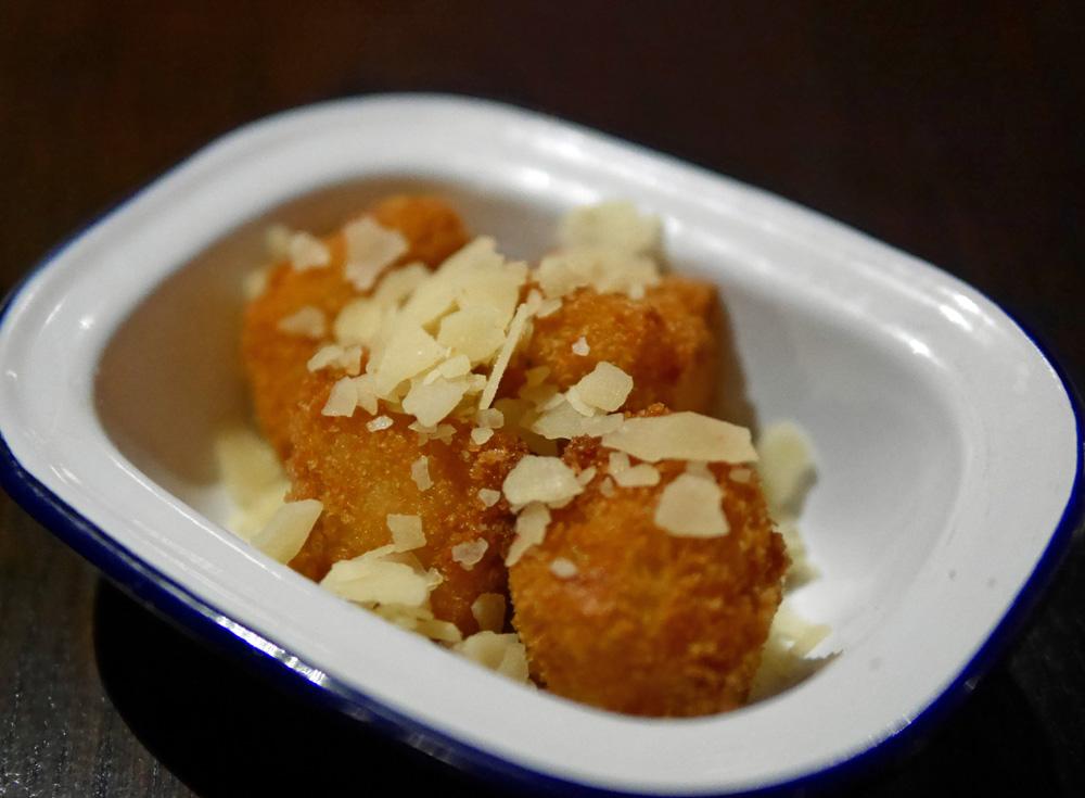 Low slow & duke deep fried mac n cheese