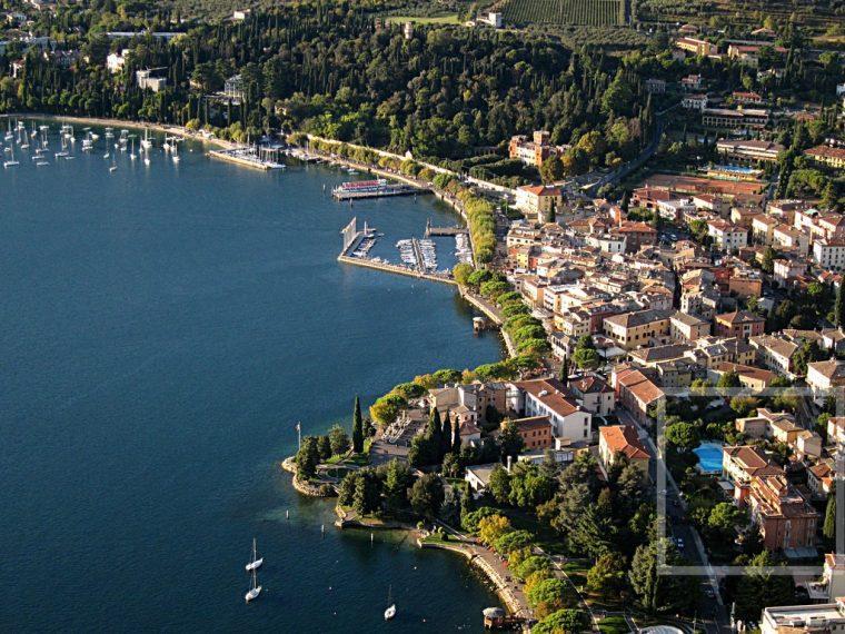 REGINA ADELAIDE Lake Garda