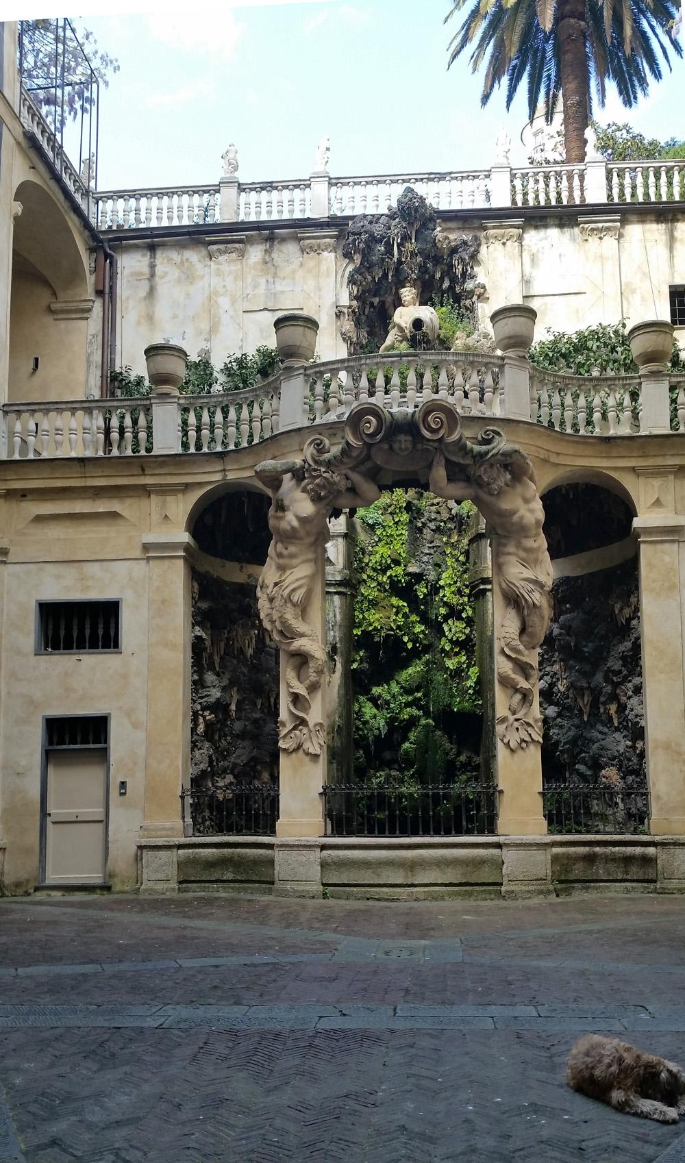 genoa - courtyard