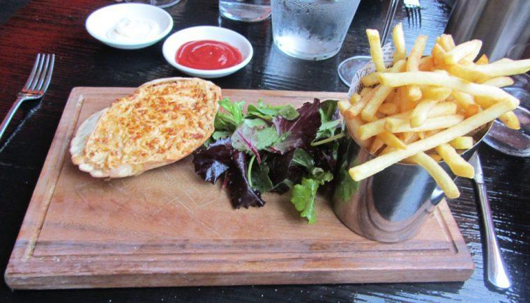Good Ship Benefit - Crab & frites