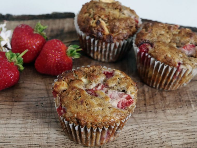 Strawberry and white chocolate breakfast muffins b