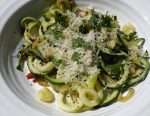 Courgetti with Oil and Garlic – a 5:2 Diet Low Calorie Recipe
