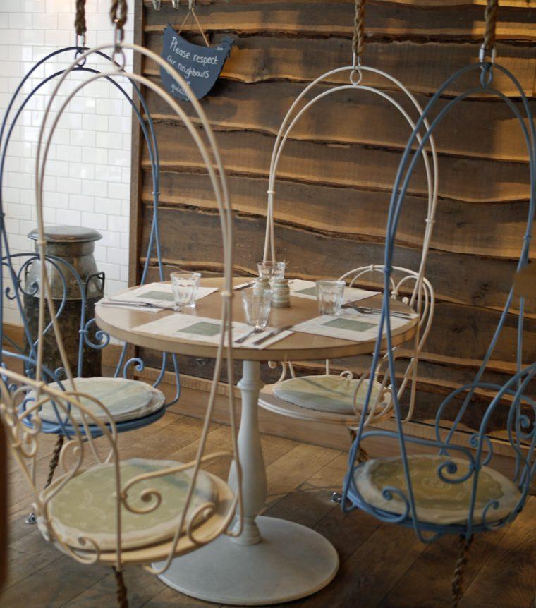 muriels-kitchen-seating