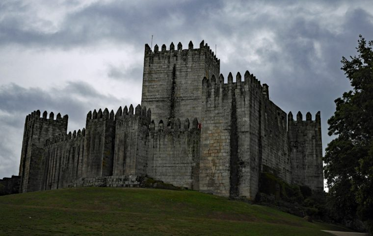 castle-guimaraes