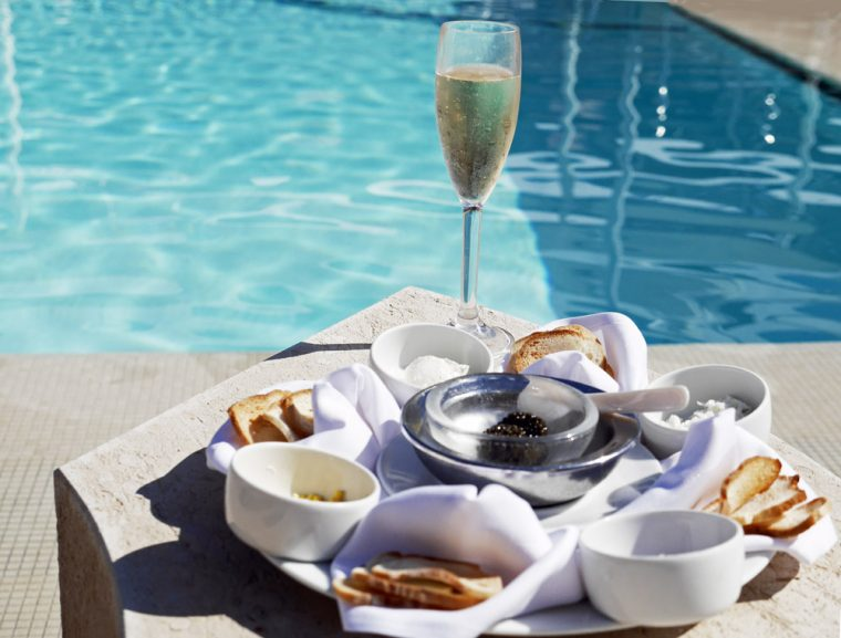 caviar-in-the-pool-seabourn