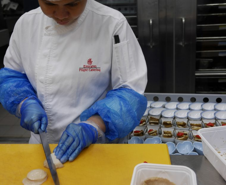 emirates-cutting-scallops