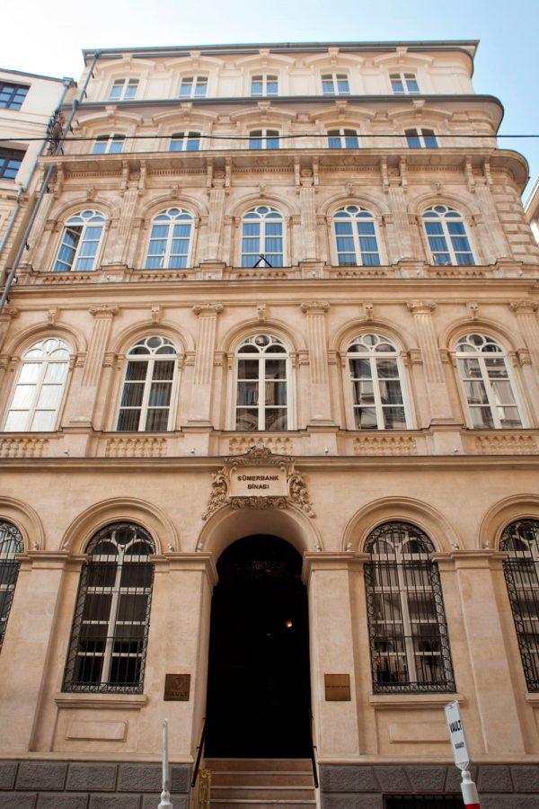 hotel-exterior-vault-karakoy