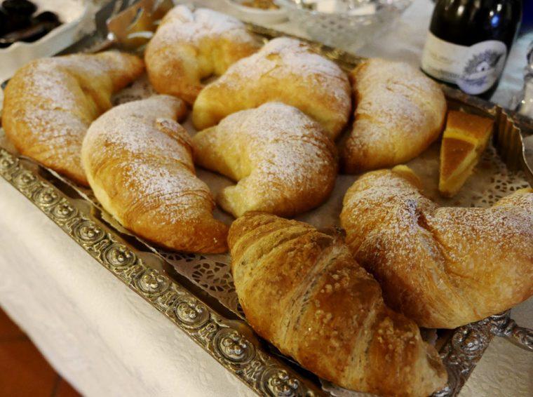 Hotel Ambra Cortina Breakfast Rolls