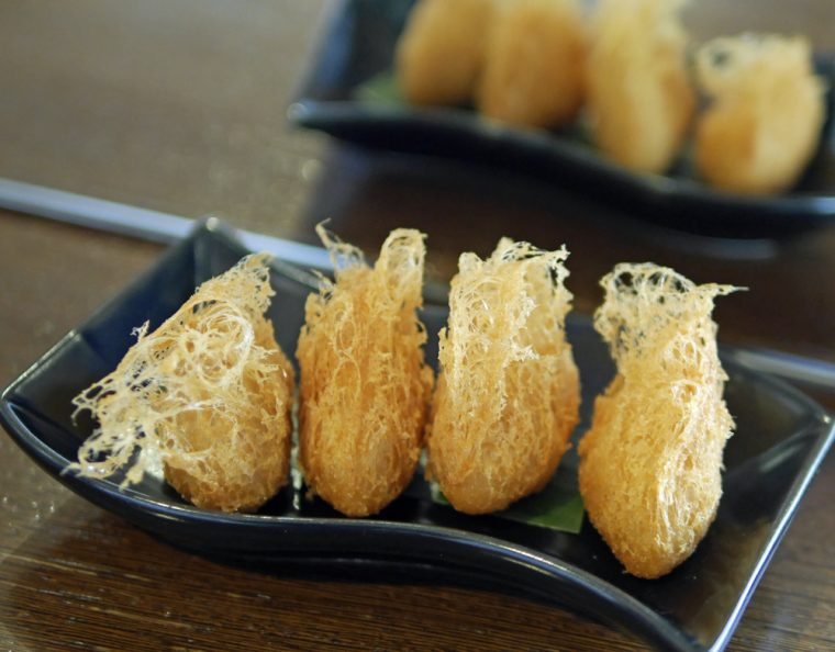 min-jiang-deep-fried-yam-croquette-with-seafood