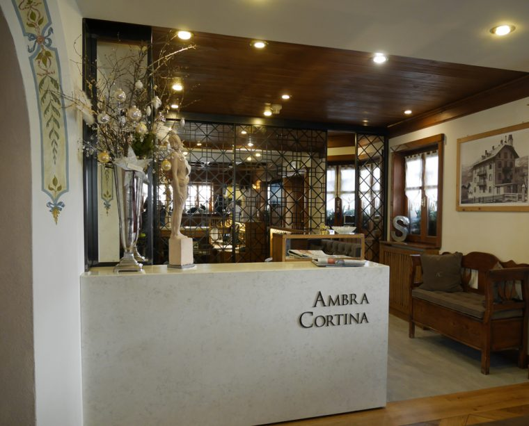 Reception Hotel Ambra Cortina
