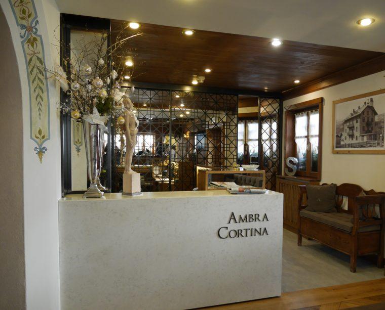 Reception Hotel Ambra Cortina