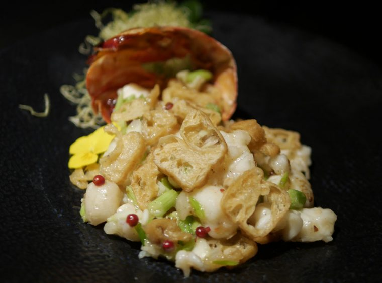 Hakkasan Hanway Place - Stir Fry Lobster in White Pepper Sauce