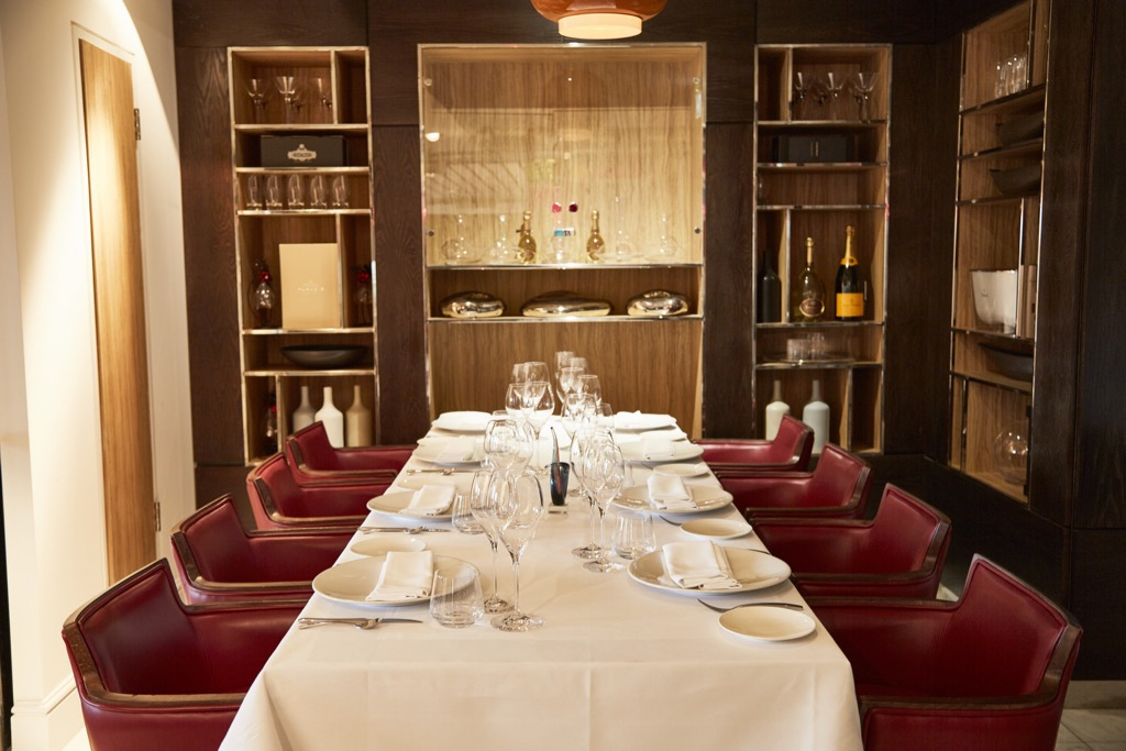 Bella Cosa Canary Wharf restaurant dining room