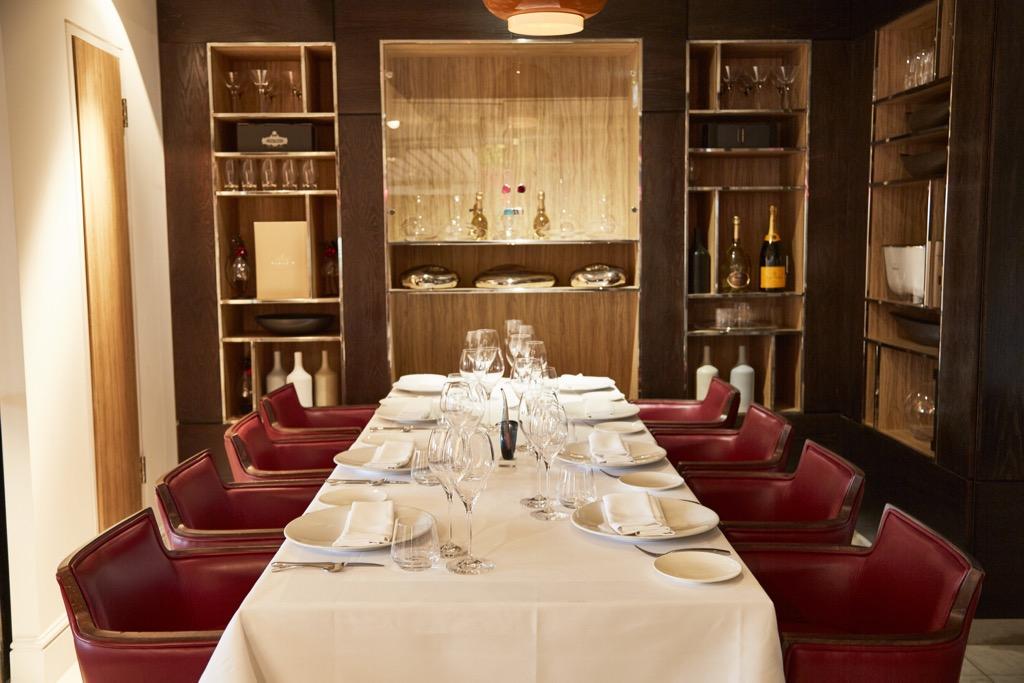 Bella Cosa Canary Wharf restaurant dining room