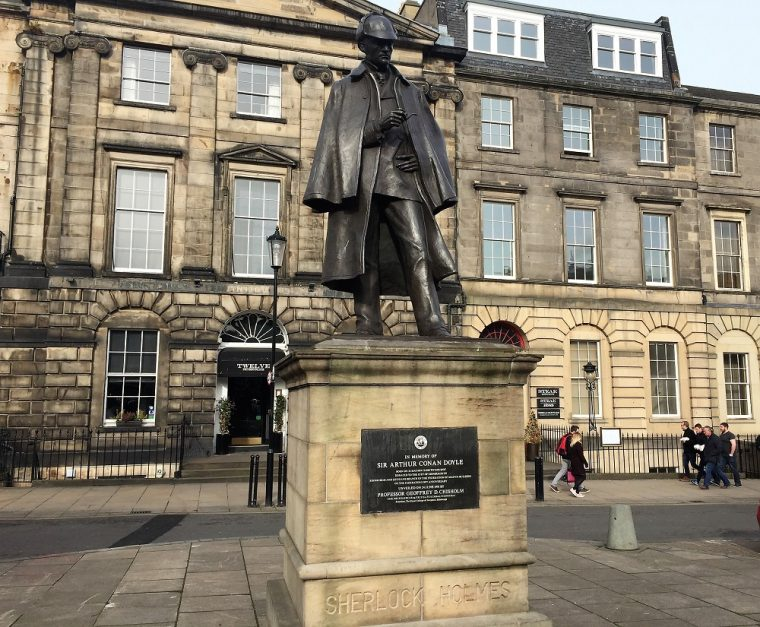 Statue of Sherlock Holmes in Edinburgh New Town