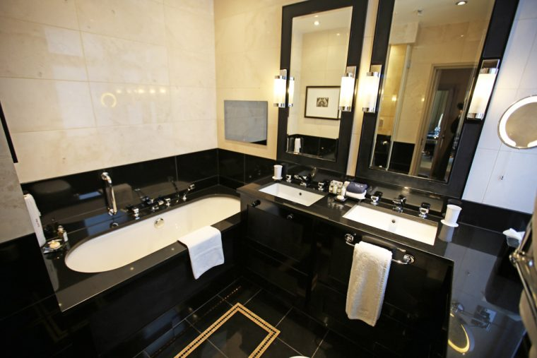 Stylish Bathroom St James's Hotel and Club