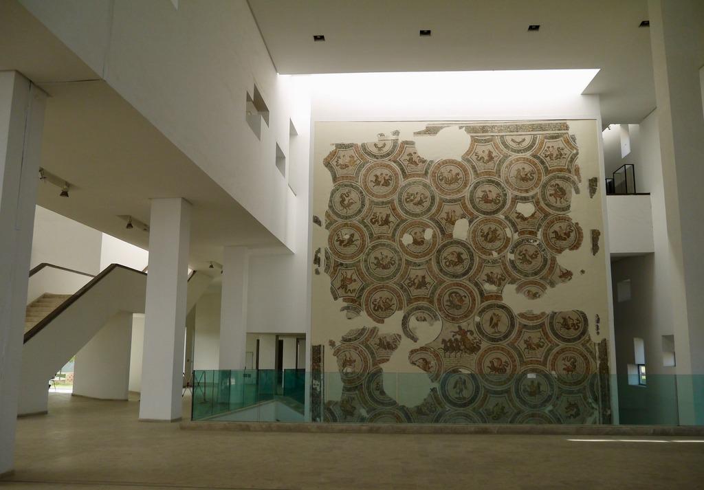 Bardo museum foyer tunis