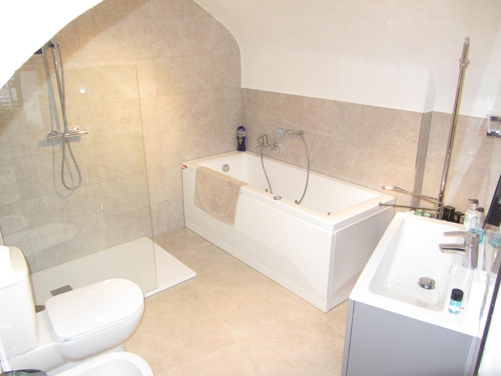 Liguria Holiday Homes - Luxury Bathroom