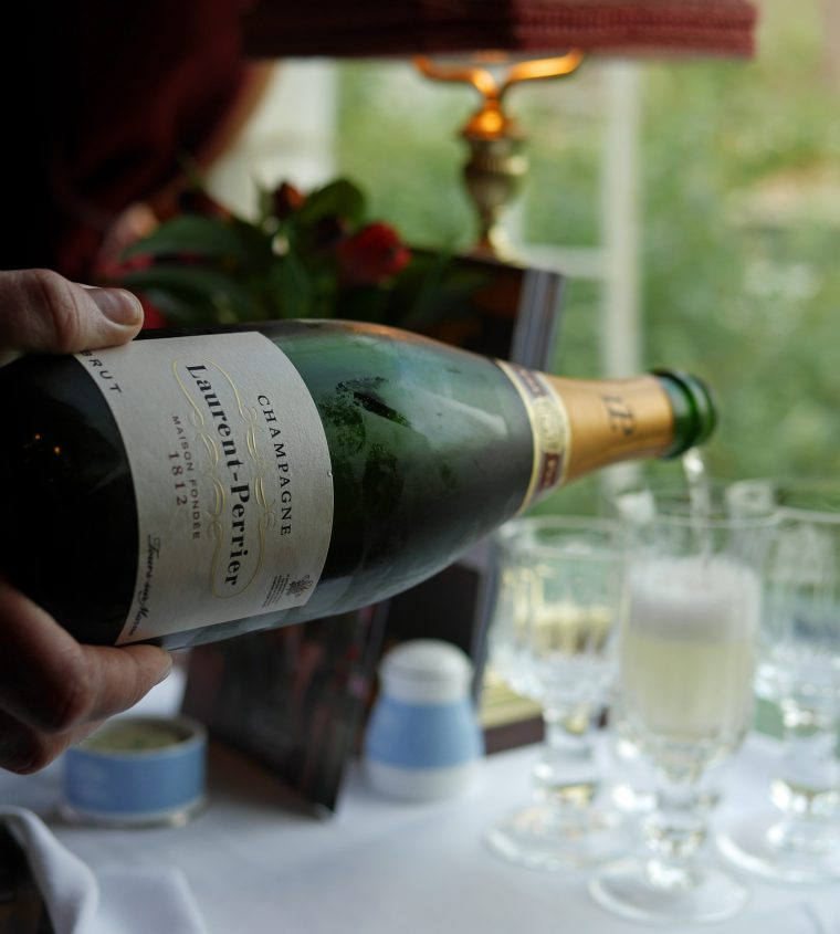 Champagne - British Pullman - Tanqueray 10