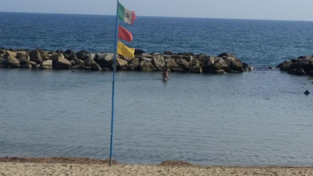 Liguria Holiday Homes - Man in sea