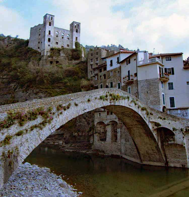 Liguria Holiday homes - bridge at Dolceaqua towards castle - Copy