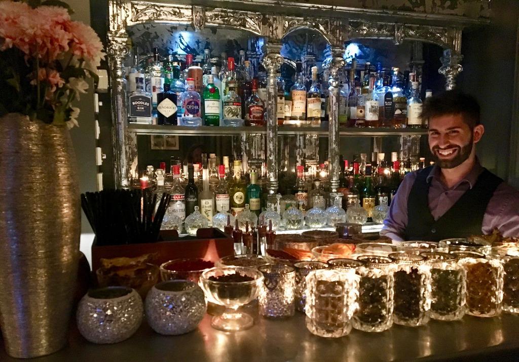Salotto '900 Bar - The italian Job