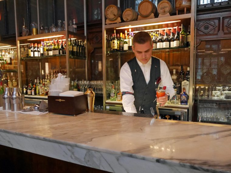 St Pancras Renaissance Bar
