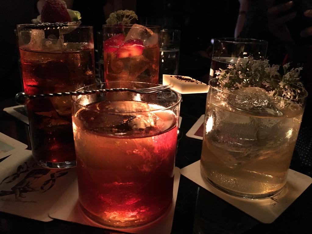 Cocktail time at Bar Zjuggwrs Ghent