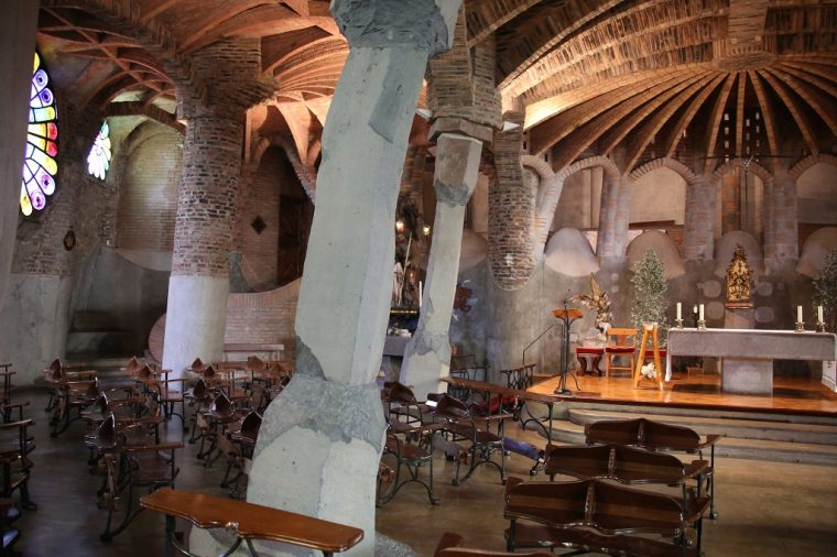 Colonia Guell Crypt Vestry
