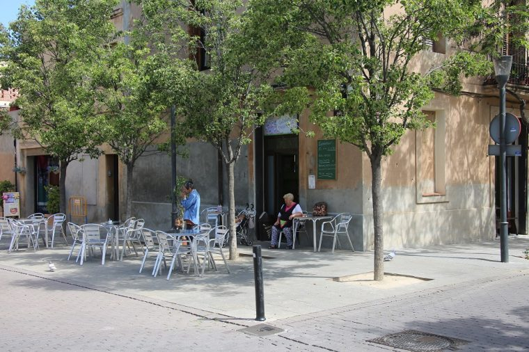 Colonia Guell Town Square Bar