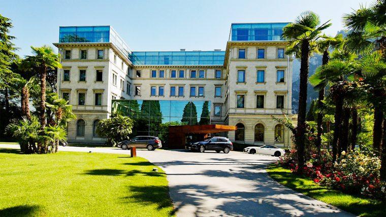 Hotel Lido Palace Entrance