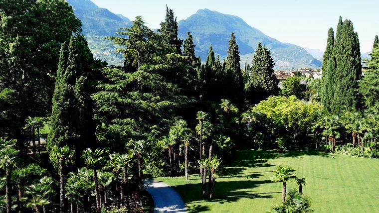 Lido Palace Gardens