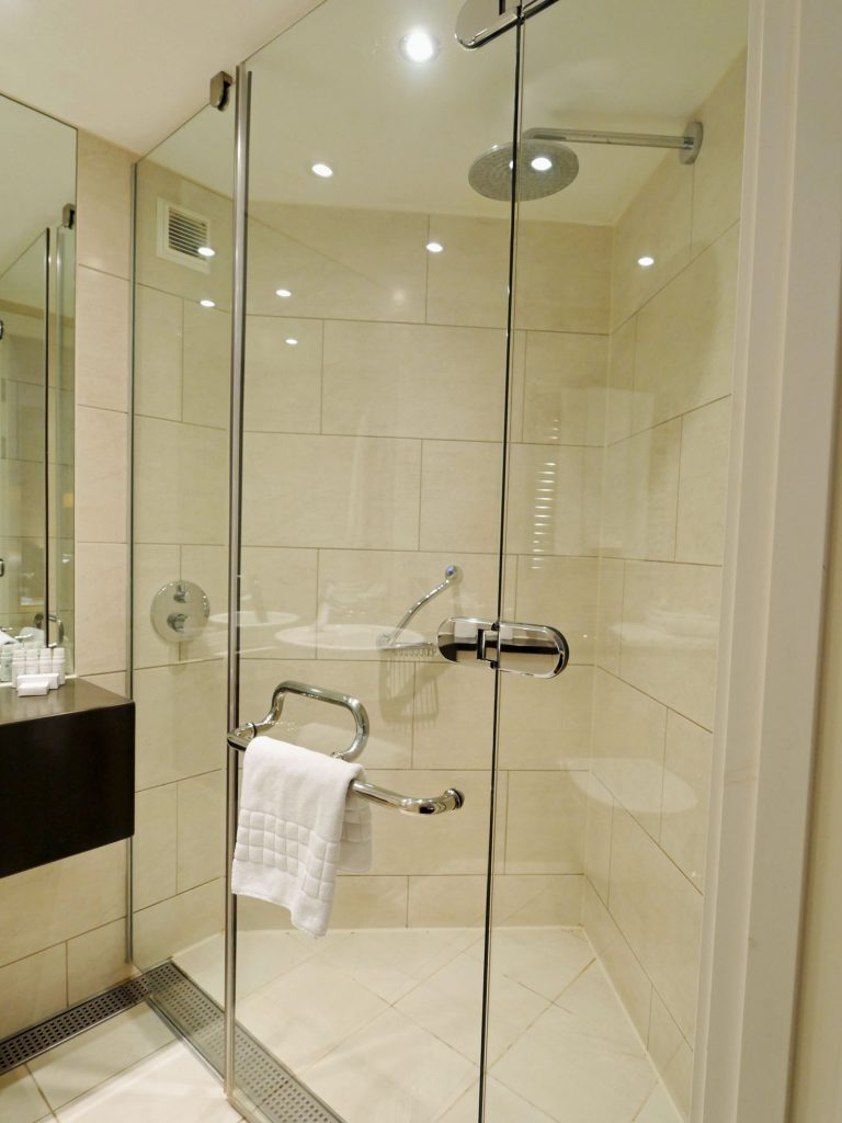 Bermondsey Square Hotel Shower