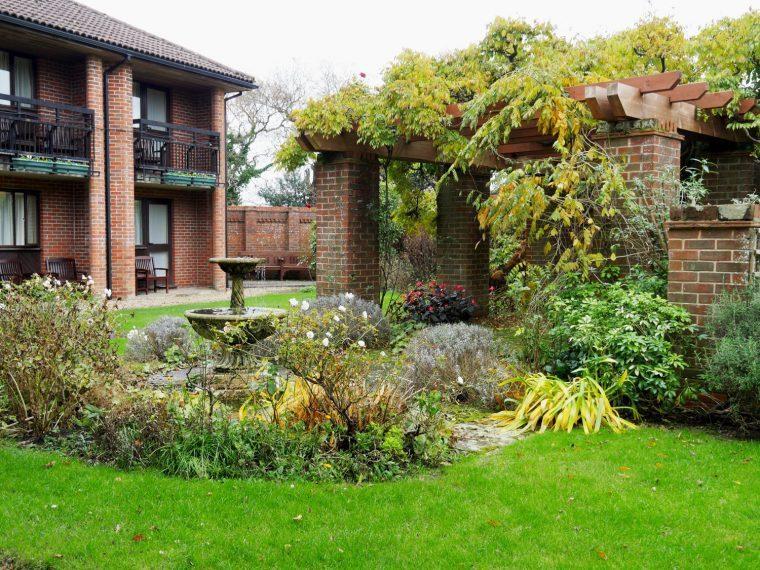 Careys Manor Gardens