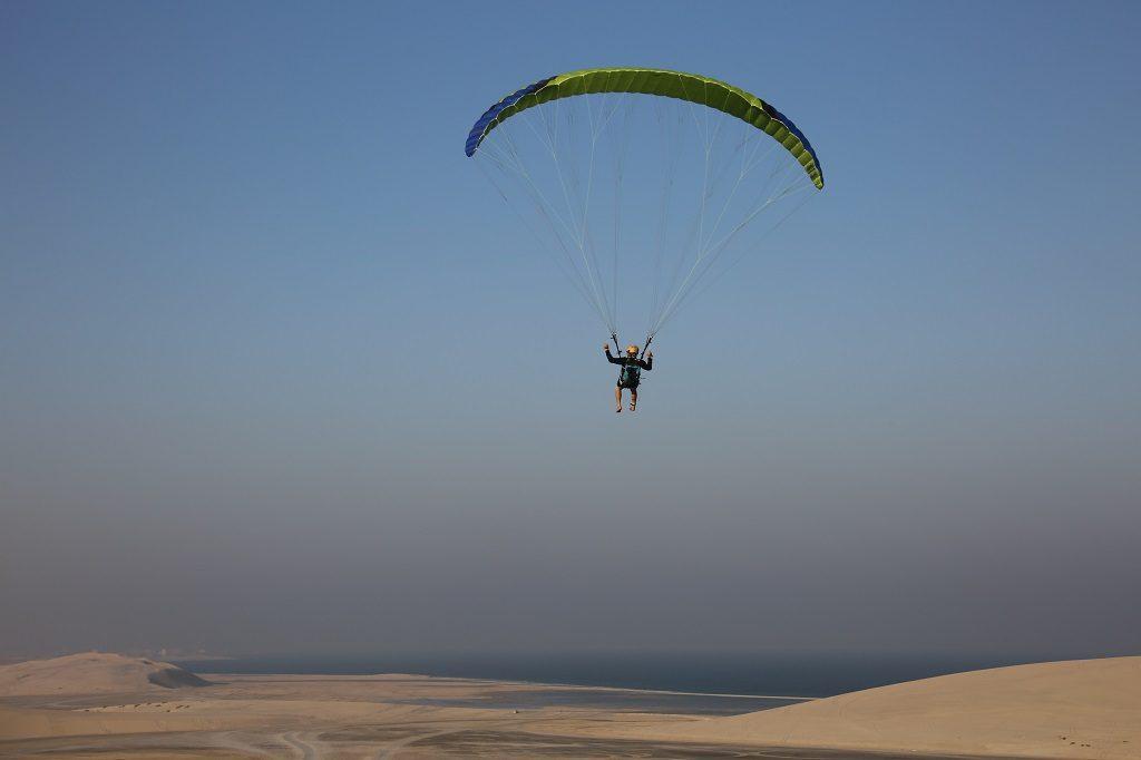 Qatar Doha Desert Kite Surfing