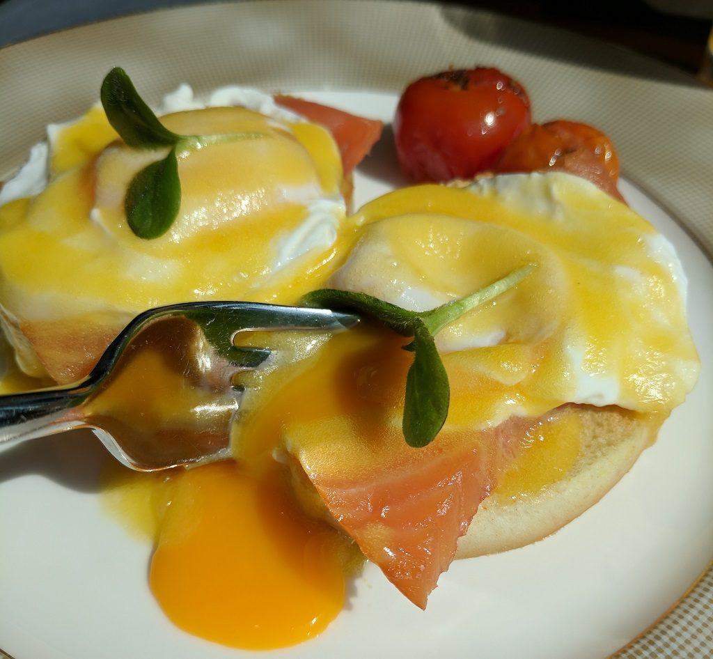 Qatar Doha Shangri La Eggs Benedict