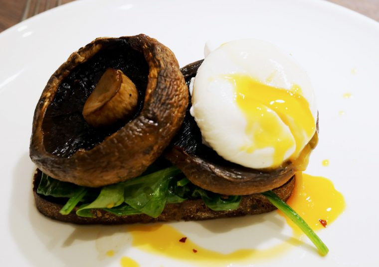 Spinach Field mushrooms Egg Toast