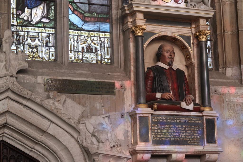 The Stratford Holy Trinity Church - Shakespeare