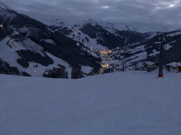 Last run of the day after Happy Hour at Berger Hochalm Saalbach Austria