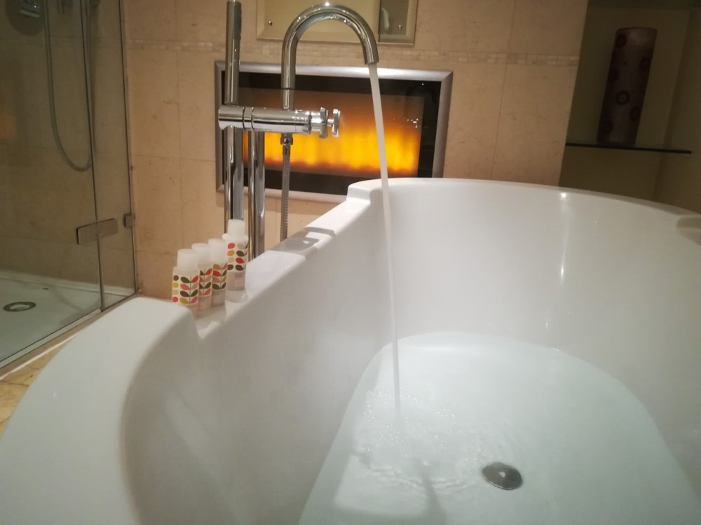 Cotswold House Hotel & Spa - bath